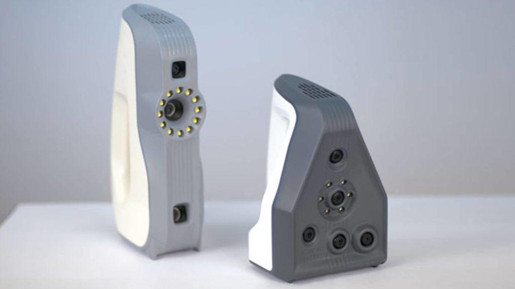 Das ist der handgeführte 3D-Scanner der Firma Artec.