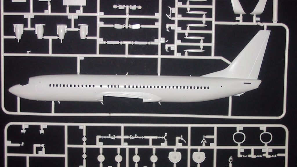 Model kit of a Boeing 737-800 airplane