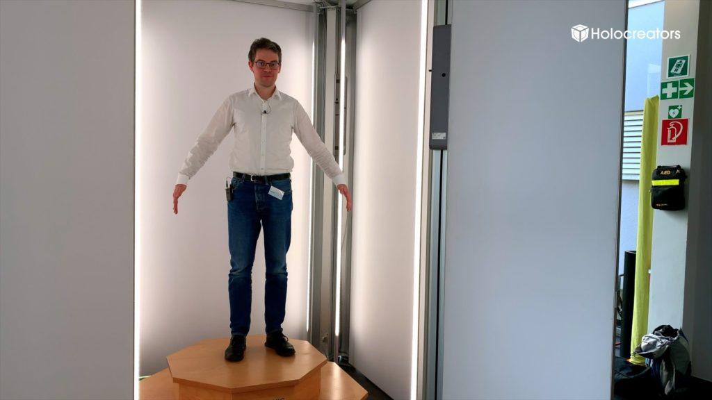Swann Rack standing inside the Vitronic Vitus body 3D scanner