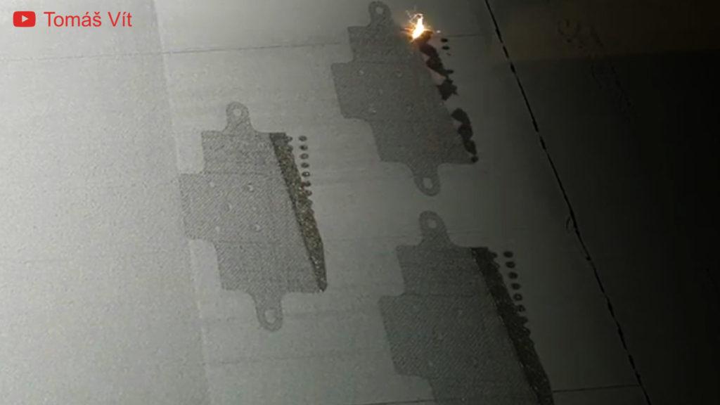 Der Slm-Metall-3D-Druckerlaser schmilzt das Metallpulver.