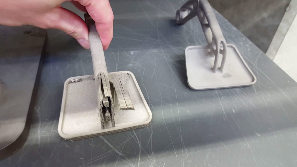 Metal 3D printed gas pedal with support structure
