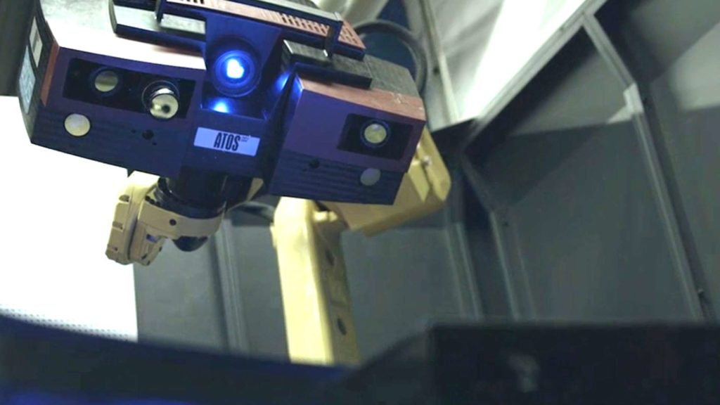 GOM Atos 3D scanner by a robotic arm with blue structured-light projector